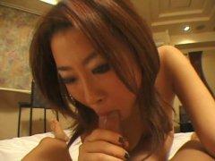 Porno hardcore d'une japonaise sexy aux gros seins perverse